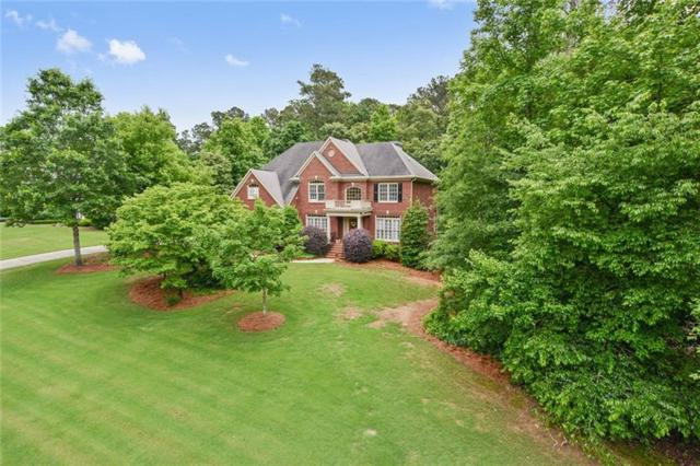 250 Newfield Drive, Tyrone, GA 30290 (MLS #6017233) :: North Atlanta Home Team