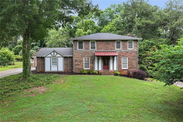 415 Stonebridge Drive, Roswell, GA 30075 (MLS #6028571) :: North Atlanta Home Team