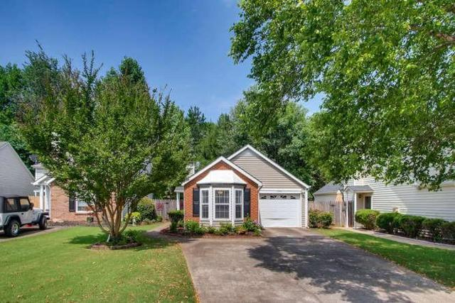 1345 Yorkshire Lane, Woodstock, GA 30188 (MLS #6030594) :: North Atlanta Home Team
