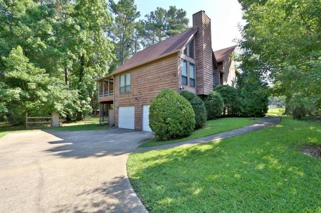 2592 Deerfield Circle SW, Marietta, GA 30064 (MLS #6030683) :: Rock River Realty
