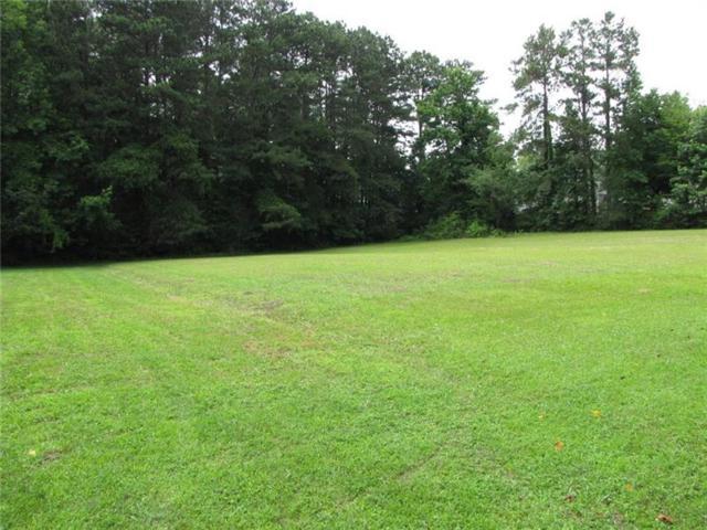3056 Hickory Grove Road NW, Acworth, GA 30101 (MLS #6033767) :: North Atlanta Home Team