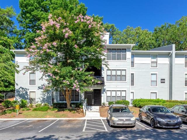 208 Summit North Drive NE #208, Atlanta, GA 30324 (MLS #6040831) :: RE/MAX Paramount Properties