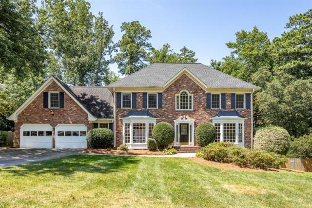 7010 Hunters Knoll, Sandy Springs, GA 30328 (MLS #6056071) :: North Atlanta Home Team