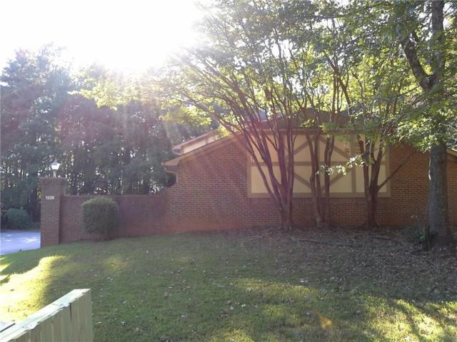 1228 Natchez Trace SW, Marietta, GA 30008 (MLS #6069902) :: Iconic Living Real Estate Professionals