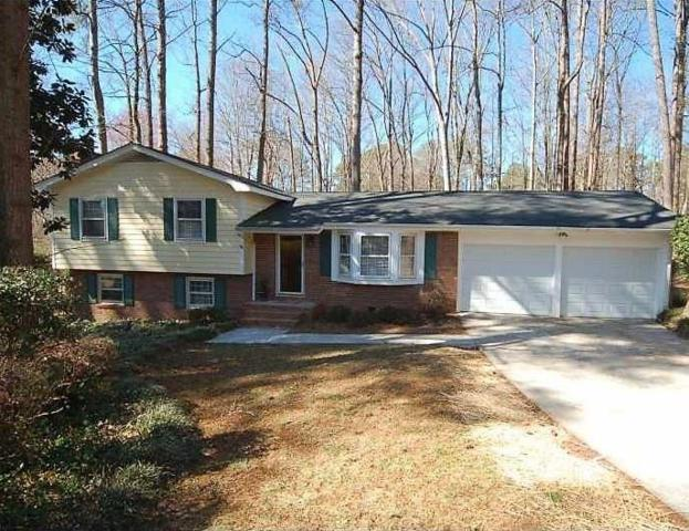 3216 Foxwood Trail SE, Smyrna, GA 30082 (MLS #6098351) :: North Atlanta Home Team