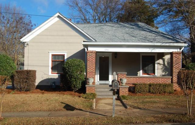 1751 Center Avenue, East Point, GA 30344 (MLS #6113073) :: North Atlanta Home Team