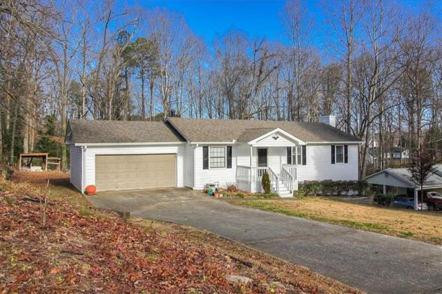 1291 Sommerset Drive, Lawrenceville, GA 30043 (MLS #6113326) :: The Cowan Connection Team