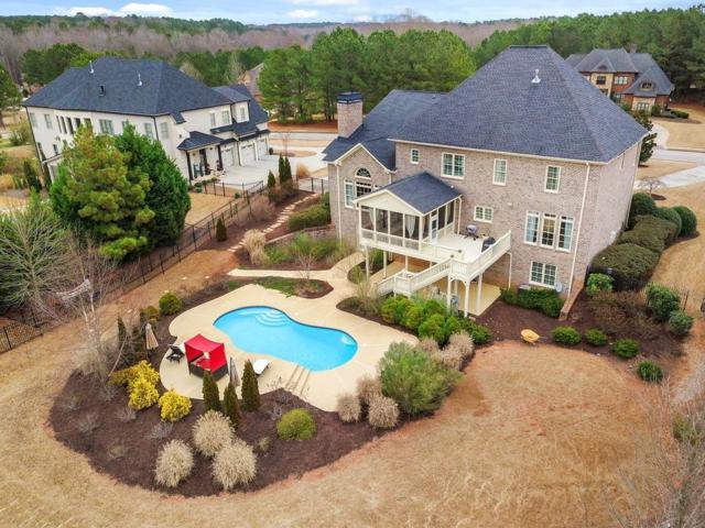 140 New Castle Lane, Tyrone, GA 30290 (MLS #6513578) :: The Zac Team @ RE/MAX Metro Atlanta
