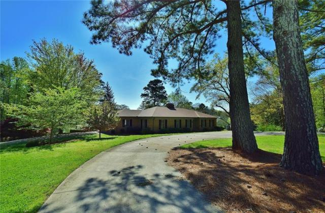 607 East Lake Drive, Gainesville, GA 30506 (MLS #6535099) :: KELLY+CO