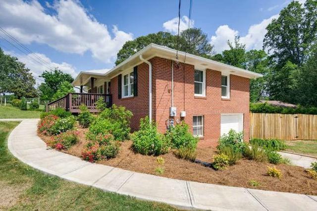 880 Powder Springs Street SE, Smyrna, GA 30080 (MLS #6557728) :: Dillard and Company Realty Group