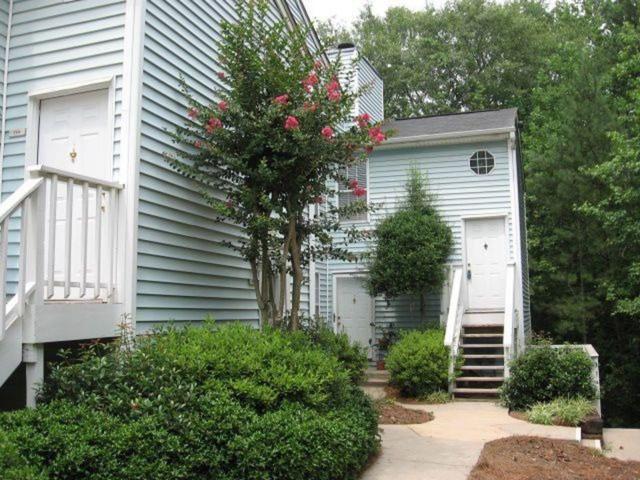708 Glenleaf Drive #708, Peachtree Corners, GA 30092 (MLS #6567233) :: The Heyl Group at Keller Williams
