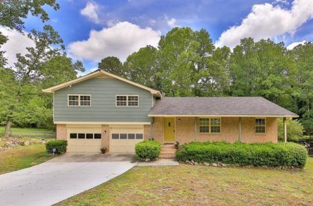 2816 Hickory Circle, Snellville, GA 30039 (MLS #6569685) :: The Heyl Group at Keller Williams