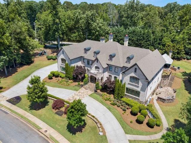 5005 Heatherwood Court, Roswell, GA 30075 (MLS #6581776) :: North Atlanta Home Team
