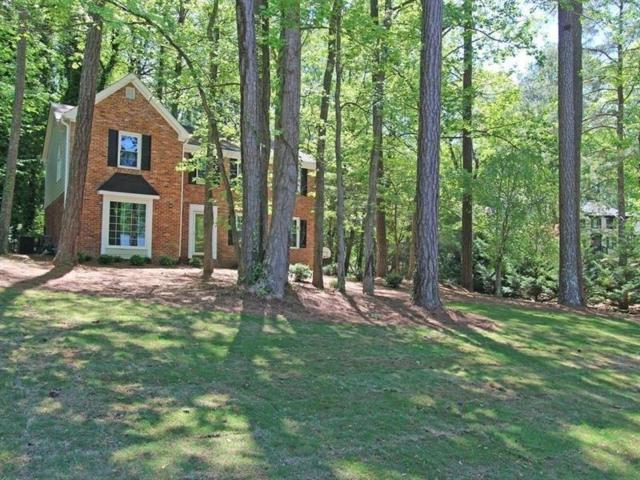 1017 Hidden Hollow Drive, Marietta, GA 30068 (MLS #6588496) :: North Atlanta Home Team
