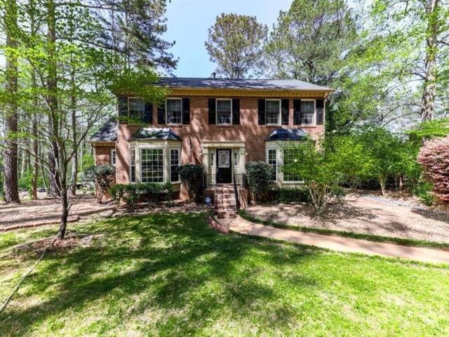 4907 Laurel Spring Drive NE, Roswell, GA 30075 (MLS #6588778) :: Kennesaw Life Real Estate