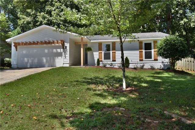 825 Lake Forest Circle, Roswell, GA 30076 (MLS #6593877) :: RE/MAX Paramount Properties