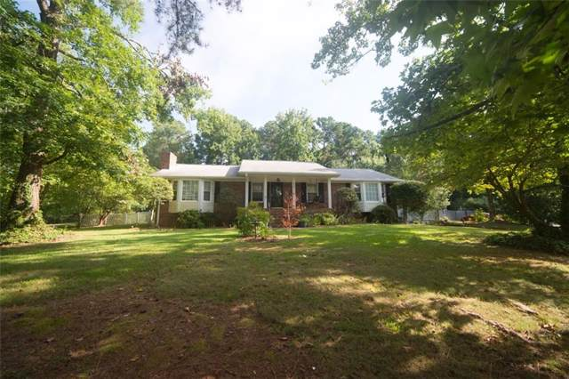 8951 Country Club Drive, Douglasville, GA 30134 (MLS #6606317) :: Iconic Living Real Estate Professionals