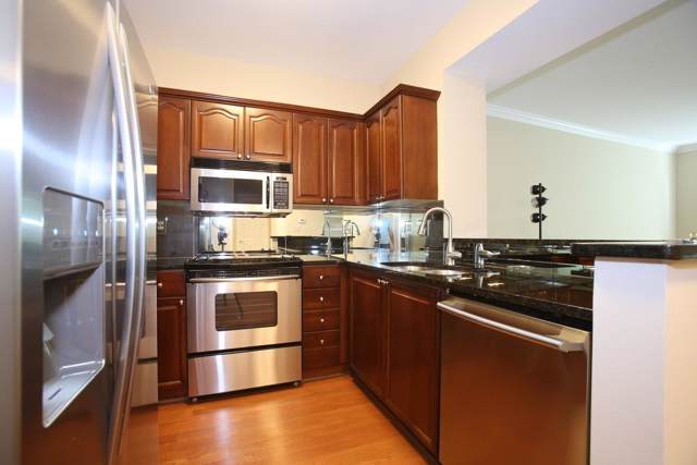 2413 River Green Drive NW #2413, Atlanta, GA 30327 (MLS #6620492) :: RE/MAX Prestige