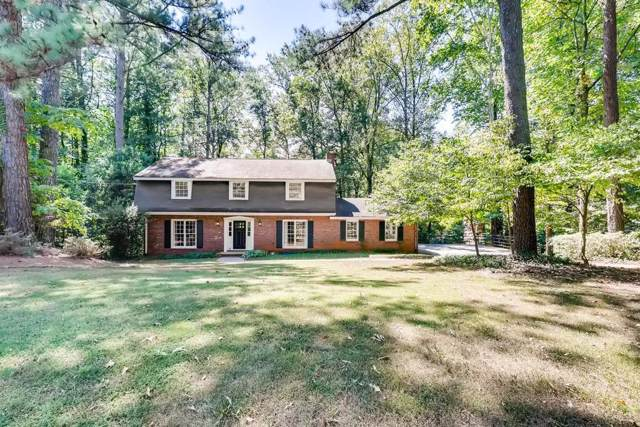9880 La View Circle, Roswell, GA 30075 (MLS #6620970) :: North Atlanta Home Team