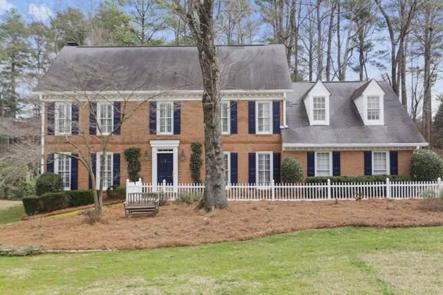 6915 Hunters Knoll, Sandy Springs, GA 30328 (MLS #6623794) :: North Atlanta Home Team