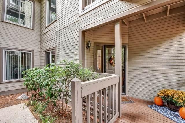 8201 Fairview Bluff, Johns Creek, GA 30022 (MLS #6629871) :: North Atlanta Home Team
