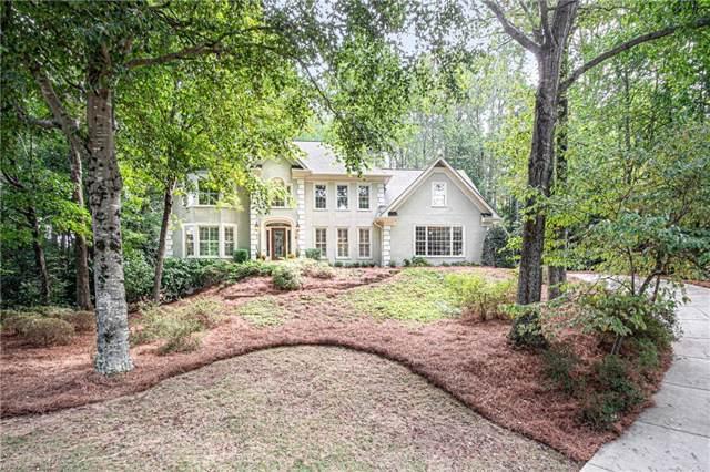325 Spindle Court, Sandy Springs, GA 30350 (MLS #6632410) :: North Atlanta Home Team