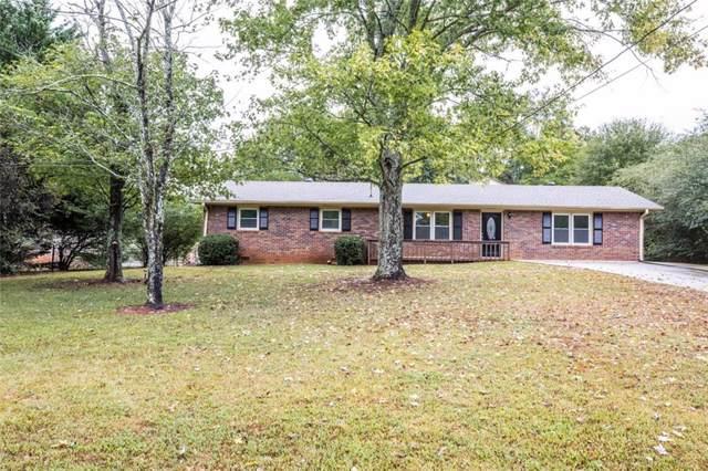 8880 Northview Drive, Lithia Springs, GA 30122 (MLS #6632786) :: The Heyl Group at Keller Williams