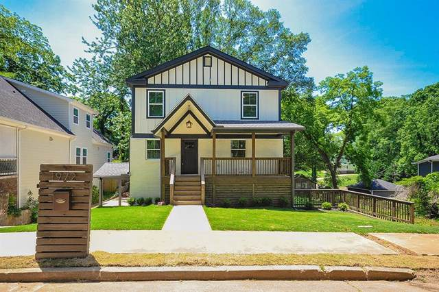 1972 Cambridge Avenue, College Park, GA 30337 (MLS #6636782) :: Charlie Ballard Real Estate