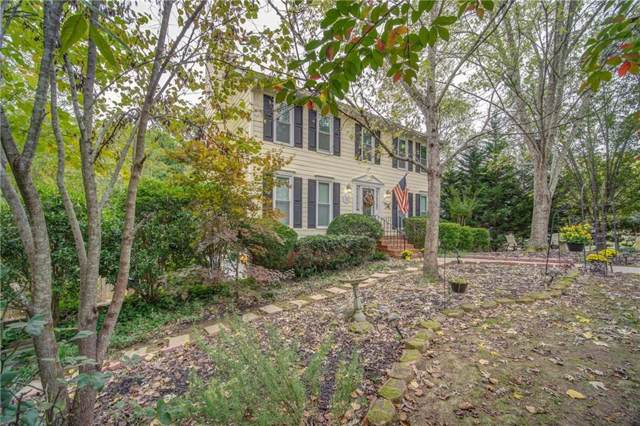 4208 E Emerald Drive NW, Kennesaw, GA 30144 (MLS #6638424) :: Charlie Ballard Real Estate