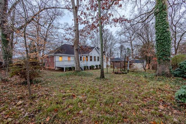 498 Dogwood Drive, Lawrenceville, GA 30046 (MLS #6656135) :: Charlie Ballard Real Estate