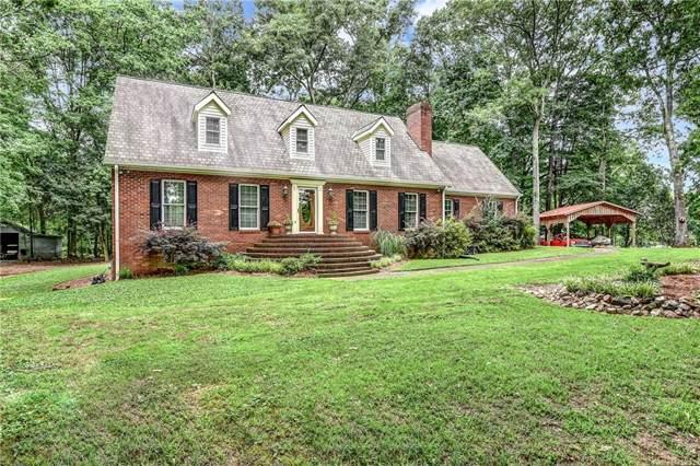 6695 Woodstock Road, Acworth, GA 30102 (MLS #6662306) :: North Atlanta Home Team