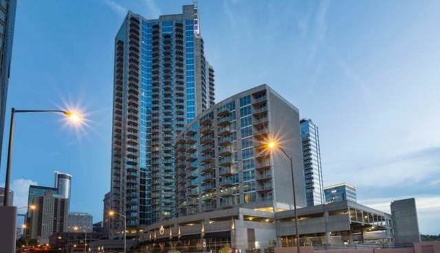 400 W Peachtree Street NW #2814, Atlanta, GA 30308 (MLS #6665889) :: The Zac Team @ RE/MAX Metro Atlanta
