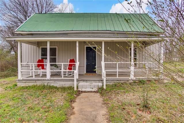 208 W Jefferson Street, Hoschton, GA 30548 (MLS #6680228) :: North Atlanta Home Team