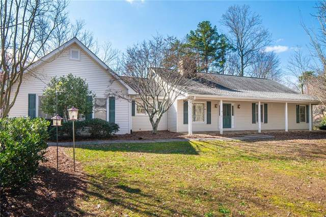 1725 Jackson Court, Cumming, GA 30040 (MLS #6683914) :: Charlie Ballard Real Estate