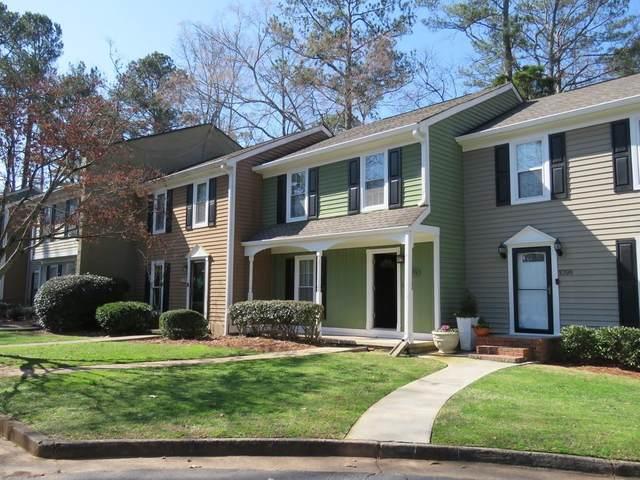 1096 New Haven Drive SW, Marietta, GA 30064 (MLS #6684400) :: The Heyl Group at Keller Williams