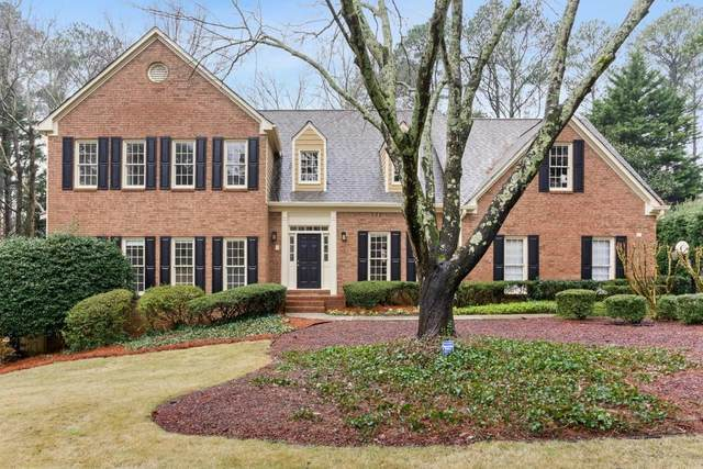 867 Chestnut Lake Drive NE, Marietta, GA 30068 (MLS #6685453) :: The Heyl Group at Keller Williams
