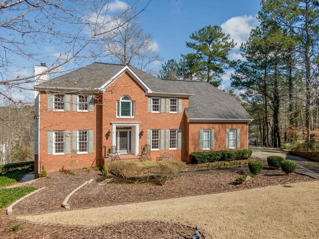 3068 Oak Chase Drive NE, Roswell, GA 30075 (MLS #6685640) :: KELLY+CO