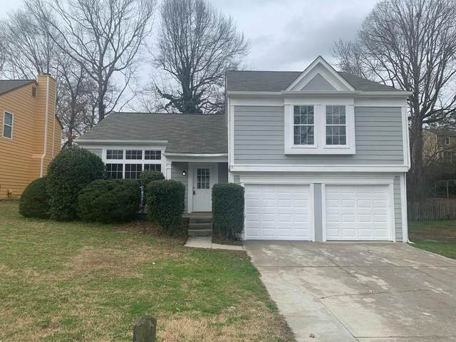 2021 Hollywood Drive, Lawrenceville, GA 30044 (MLS #6686693) :: The North Georgia Group