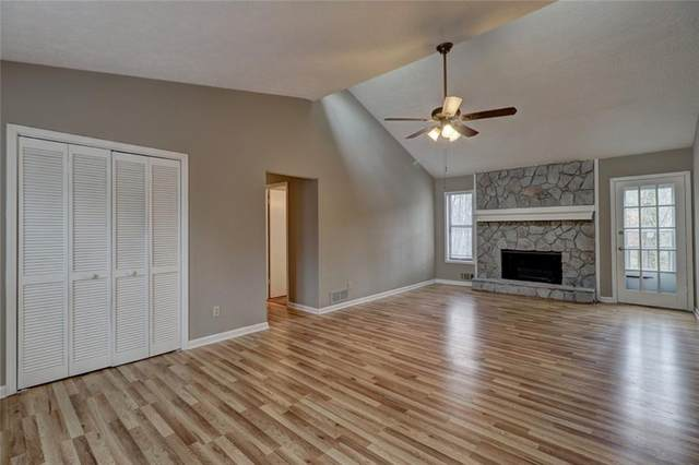 292 Hill Crest Circle, Woodstock, GA 30188 (MLS #6698271) :: Path & Post Real Estate