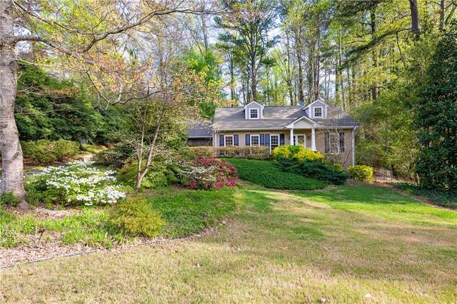 355 Knoll Woods Drive, Roswell, GA 30075 (MLS #6700746) :: Path & Post Real Estate