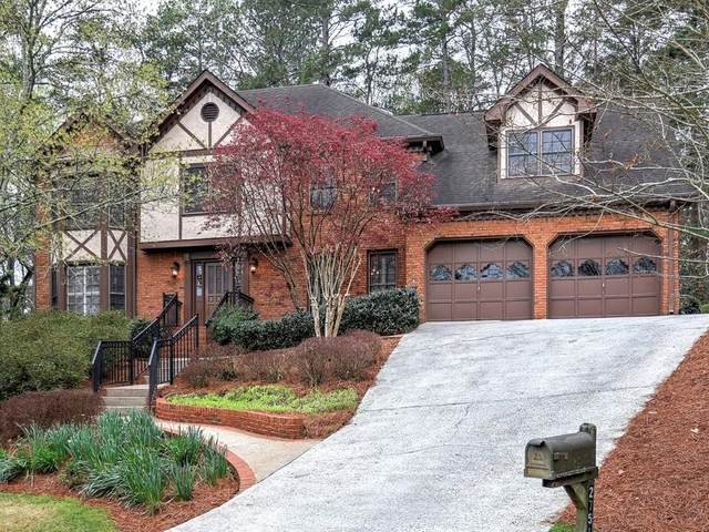 2751 Long Lake Court NE, Roswell, GA 30075 (MLS #6702193) :: Dillard and Company Realty Group