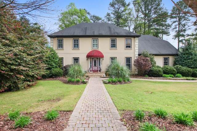 5076 Hampton Lake Drive, Marietta, GA 30068 (MLS #6702427) :: Path & Post Real Estate