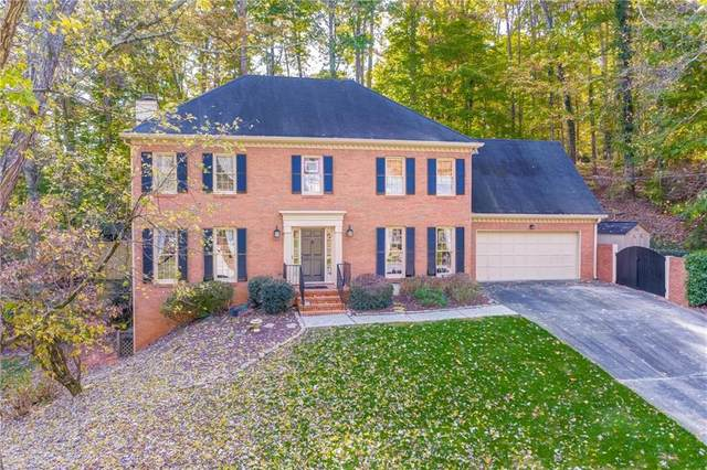 9620 River Lake Drive Drive, Roswell, GA 30075 (MLS #6704129) :: The Cowan Connection Team