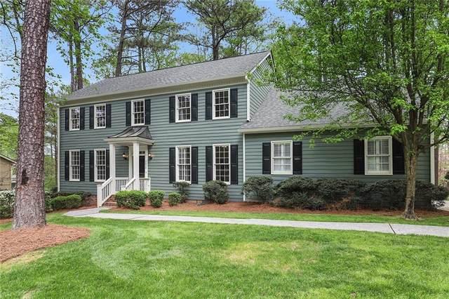 2450 Roxburgh Drive, Roswell, GA 30076 (MLS #6704221) :: Scott Fine Homes