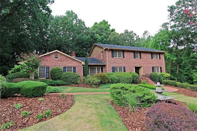 550 Coldstream Court, Atlanta, GA 30328 (MLS #6712437) :: The Zac Team @ RE/MAX Metro Atlanta