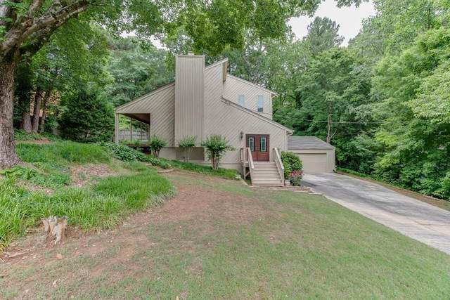 3777 Southgate Drive SW, Lilburn, GA 30047 (MLS #6720523) :: The Zac Team @ RE/MAX Metro Atlanta