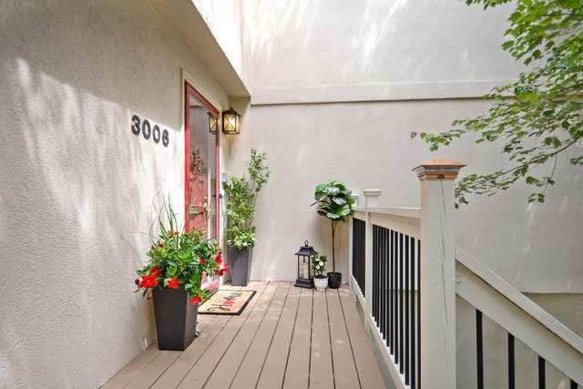 3006 Vinings Ferry Drive SE, Atlanta, GA 30339 (MLS #6723337) :: Charlie Ballard Real Estate