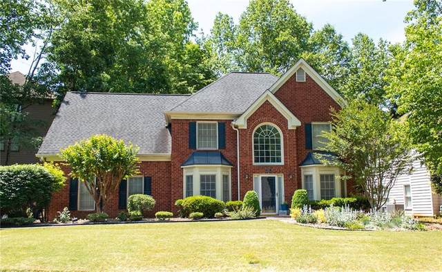 680 River Overlook Drive, Lawrenceville, GA 30043 (MLS #6724396) :: The Heyl Group at Keller Williams