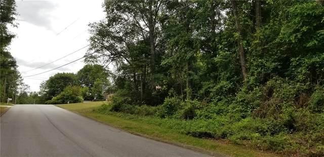 3711 Mountain Cove Road, Snellville, GA 30039 (MLS #6724468) :: Todd Lemoine Team