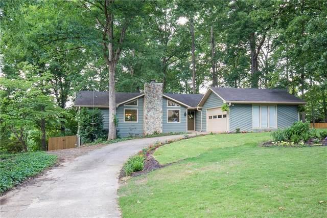 2076 Lake Ridge Terrace, Lawrenceville, GA 30043 (MLS #6728402) :: The Cowan Connection Team